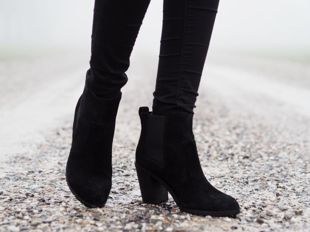 black suede boots hm 3