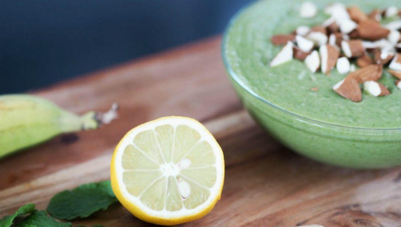 green-breakfast-smoothie featured