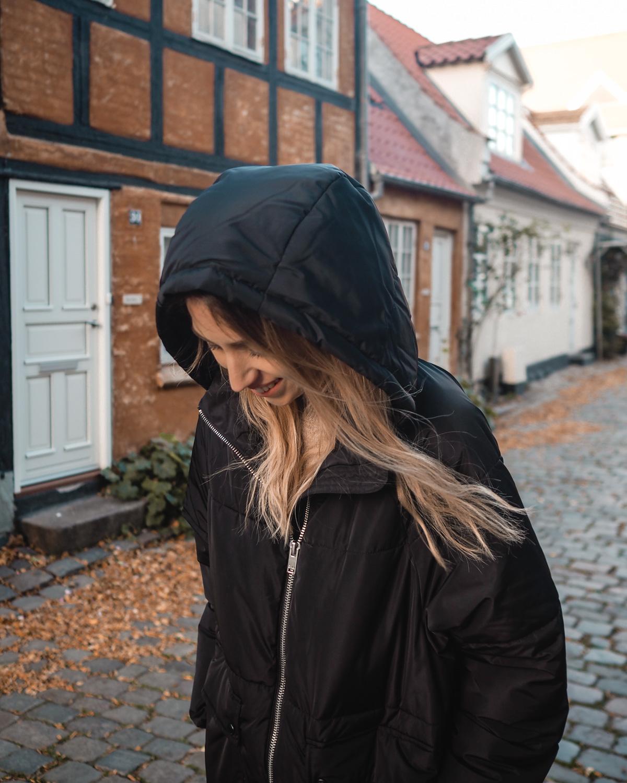 ec974d0db22 Den anden jakke, jeg købte, var forresten fra H&Ms børneafdeling og kostede  dermed next to nothing. Jeg har ledt efter en lyserød puffer jacket, ...